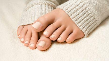 В этой статье мы отвечаем что делать,если врастает ноготь на большом пальце.